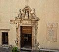 Ingresso della chiesa di San Bartolomeo di Cassano Irpino.jpg