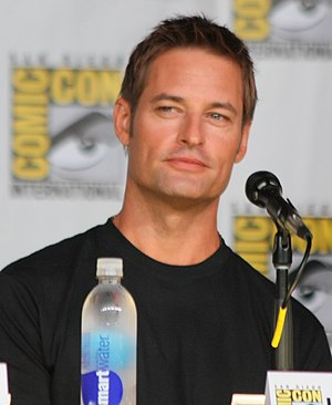 Josh Holloway - Holloway at the 2013 San Diego Comic-Con International.