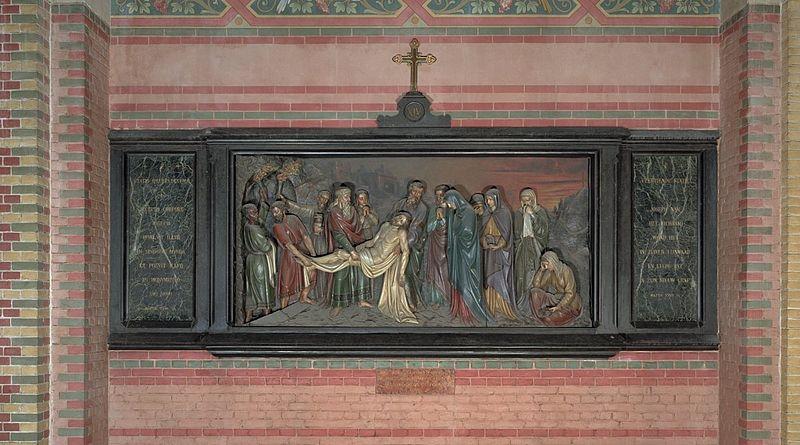 File interieur kruiswegstatie xiv daaronder het for Interieur den haag