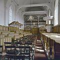Interieur, overzicht naar het oosten met oksaal, herenbank en preekstoel - Oosterend - 20383717 - RCE.jpg