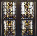 Interieur trappenhuis, aanzicht gebrandschilderd glas-in-loodraam - Amsterdam - 20367140 - RCE.jpg