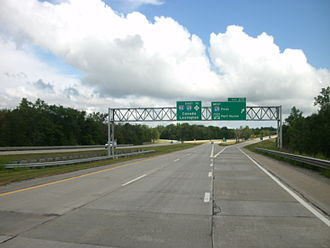 Interstate 94 in Michigan - I-94 eastbound approaching exit 271 in Port Huron