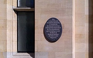 J. J. Thomson - Plaque commemorating J. J. Thomson's discovery of the electron outside the old Cavendish Laboratory in Cambridge
