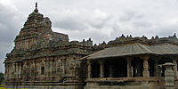 Jain temple at Lakkundi built in the Kalyani Chalukya style.jpg