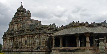 Jain temple at Lakkundi built in the Kalyani Chalukya style