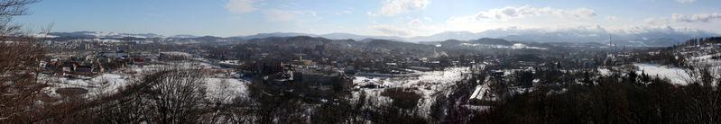 File:Jelenia Gora panorama winter low res.jpg