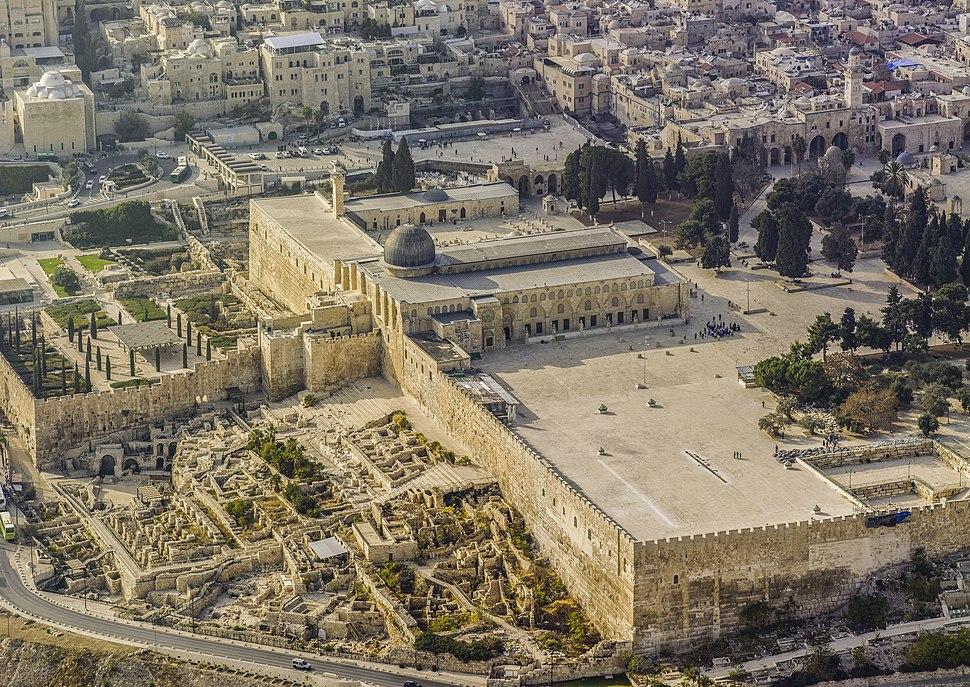 Jerusalem-2013(2)-Aerial-Temple Mount-Al-Aqsa Mosque (east exposure)