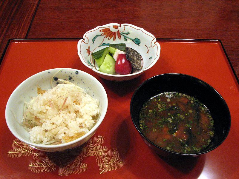 800px-Jisaku_Kaiseki_Ryori_09.jpg