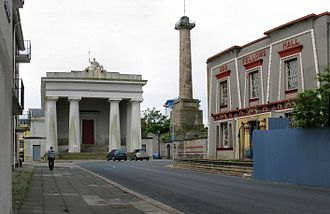 Devonport, Plymouth - Devonport's town hall and column in 2008