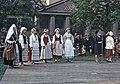 Juhla Kansallismuseon pihalla - XLVIII-927 - hkm.HKMS000005-km0000m2kk.jpg
