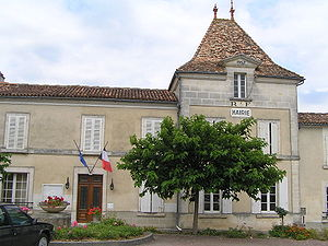 Juillac-le-Coq - Town hall
