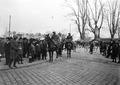 Kavallerie Patrouille auf dem Kornhausplatz während des Landesstreiks - CH-BAR - 3241492.tif