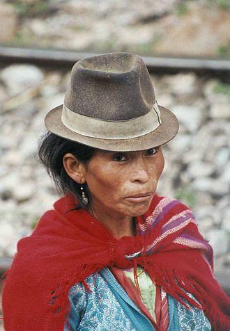 Quechua people - Quechua woman (Puruhá), Ecuador, neighborhood of Alausí (Chimborazo province)