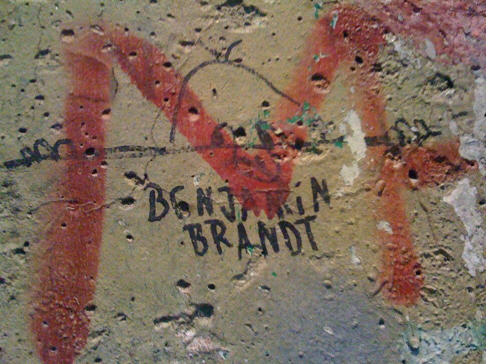 Kilroy Berlin Wall