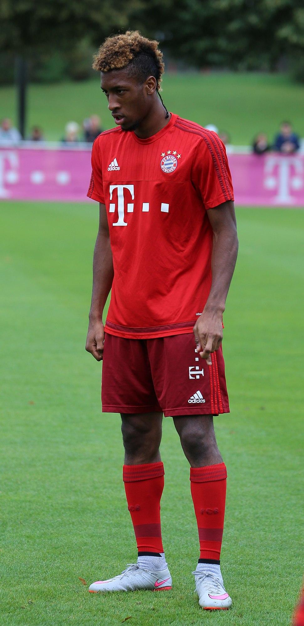 Kingsley Coman Training FC Bayern München-1