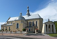 Kolegiata Wszystkich Świętych w Kolbuszowej-1, 2019-05-19.jpg