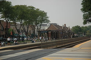 La Grange, Illinois train station.jpg