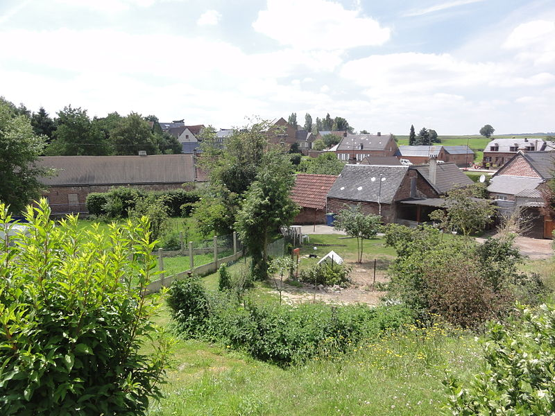 La Neuville-lès-Dorengt (Aisne) vue sur le bas du village