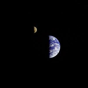 La Tierra y la Luna.Voyager 1