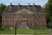 La facade du Chateau de Sainte-Suzanne.JPG