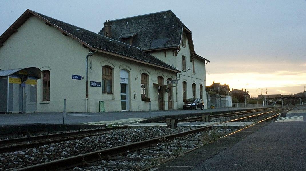 Vue depuis les places d'attente de la gare de Fismes.