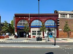 Lambeth North 2020 entrance.jpg