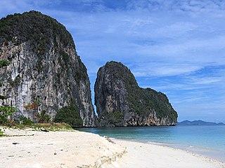 Scorcio suggestivo a Amphoe Palian, nella provincia del Trang; la Thailandia è anche una delle più importanti mete turistiche internazionali