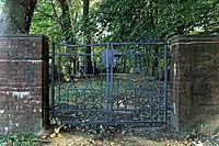 Leer - Logaer Weg - Philippsburger Park - Jüdischer Friedhof 01 ies.jpg