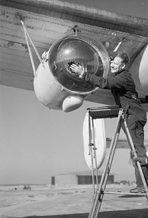 Leigh Light - A Leigh Light fitted under the wing of a Consolidated Liberator aircraft of the Royal Air Force Coastal Command, 26 February 1944