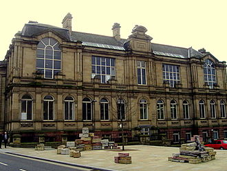Liverpool College of Art - The Liverpool College of Art (Mount Street facade), with concrete suitcase sculpture