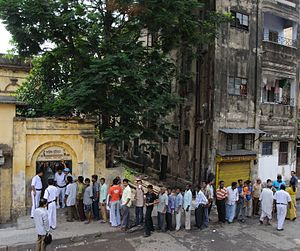 Indian general election, 2009 - Queue outside a polling station in Kolkata 13 May 2009.