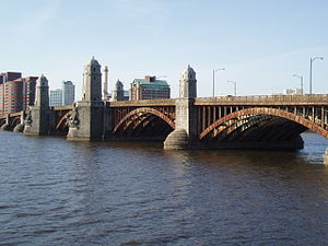 English: The Henry Wadsworth Longfellow Bridge...