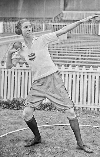 Lucile Godbold - Godbold at the 1922 Women's World Games