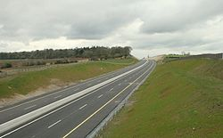 M9 Carlow Bypass under construction March 2008; the continuous yellow lines indicate a proposed Motorway rather than HQDC