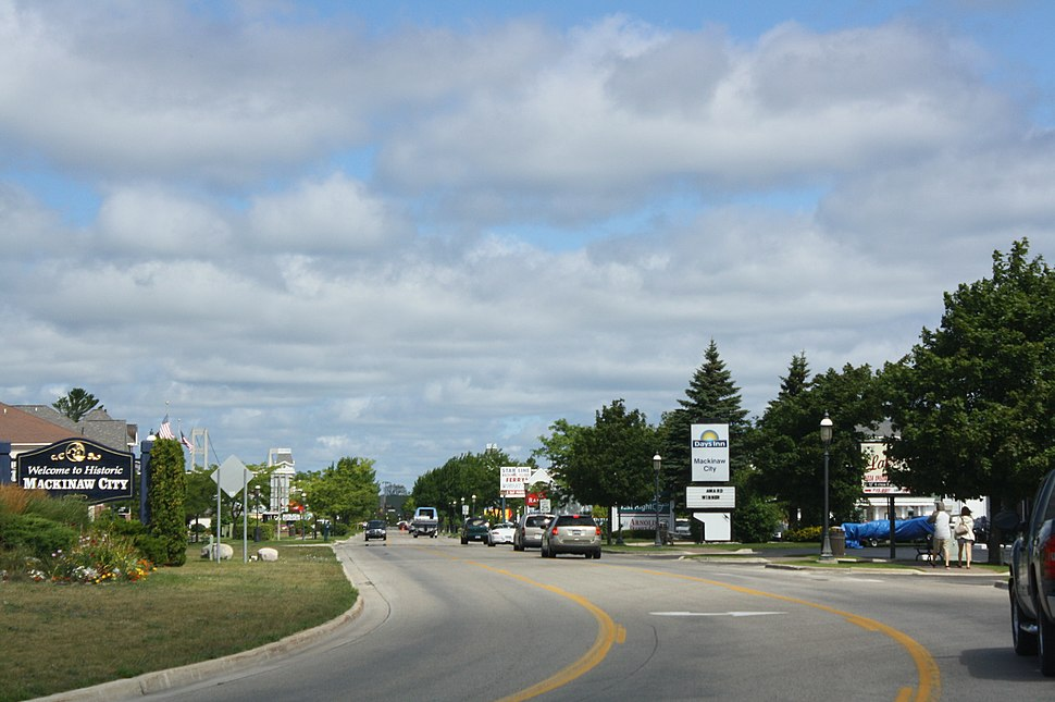Mackinaw City Hotel District