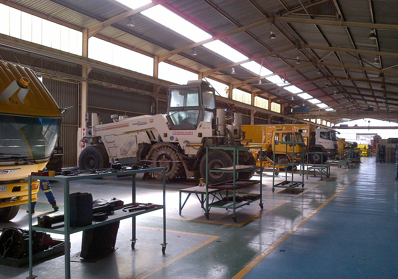 File:Main Plant Maintenance Yard, Amalgam, Johannesburg ...