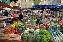 Marché aux Fruits et Légumes à Aix-en-Provence.jpg