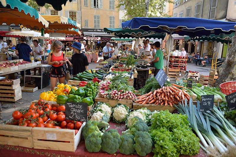 File:Marché aux Fruits et Légumes à Aix-en-Provence.jpg