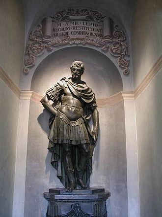 Marcus Aemilius Lepidus (consul 187 BC) - Statue of Marcus Aemilius Lepidus in the City Hall of Reggio Emilia, which he founded.
