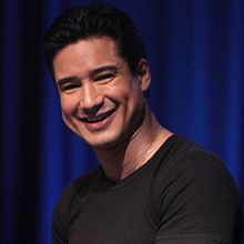 Mario Lopez by Gage Skidmore (cropped).jpg