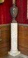 Marmorpiedestal till urna i Vardagssalongen - Hallwylska museet - 107108.tif
