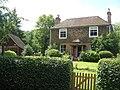 Mays Farmhouse, Romford - geograph.org.uk - 1409174.jpg