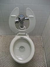 der typ wird als toilette genutzt
