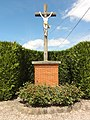 Mesbrecourt-Richecourt (Aisne) croix de chemin.JPG