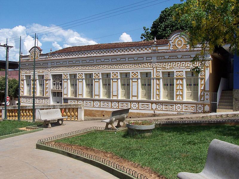 MPMG recomenda cancelamento de contrato entre escritório de advocacia e Câmara Municipal de Miraí