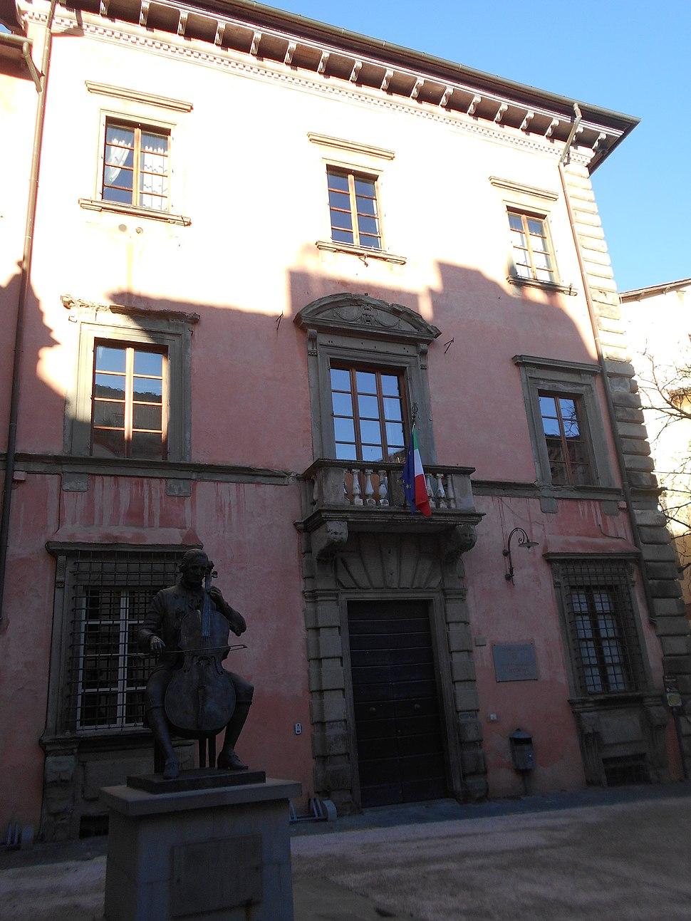 Monumento, istituto, Luigi Boccherini, Daphne Du Barry, Lucca