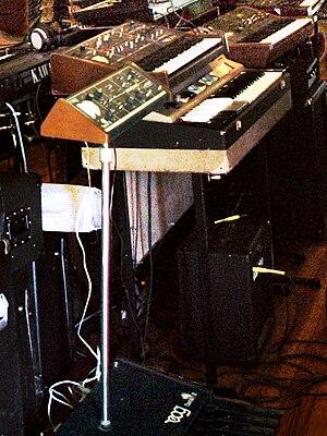 Moog Taurus - Image: Moog Taurus II, Moog Rogue, Farfisa Combo Compact I, Yamaha SK Robot Monster Guitars & Collectables
