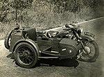 Motorrijwiel BMW met Hollandia zijspan.jpg