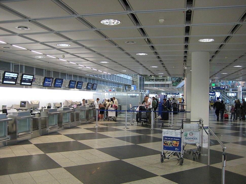 Munich Airport T1 L4 B check in