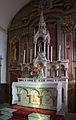 Néville-sur-Mer Église Saint-Martin et de la Sainte-Trinité Chœur Autel 2013 09 01.jpg